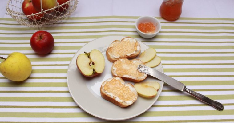 Homemade apple jelly – Apfelgelee