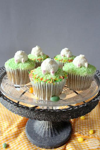 Möhrenkuchen-Cupcakes zu Ostern mit Mascarpone-Topping
