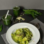 Pasta mit Bärlauchpesto und grünem Spargel